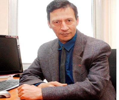 """Михаил Михайлов е магистър по философия от СУ """"Свети Климент Охридски"""""""