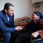 Кметът на Севлиево поздрави баба Стана за 100-годишнината