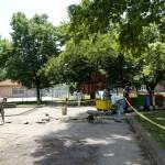 Ремонтът на детската площадка до автогарата в Севлиево започна