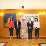 """Изложбата """"Габровски шеги"""" гостува в парламента (снимки)"""