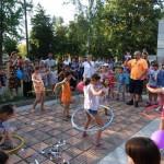 """Прерязаха """"лентата"""" на три детски площадки в Севлиево"""