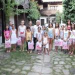 """Изложба на детски рисунки """"В света на изобразителното изкуство"""" в Трявна"""
