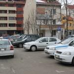Посред бял ден автокрадци гепиха кола от паркинг на болница