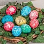 Ако не искаш свекървата да ти избоде очите с хвалби, изпиши й великденските яйца