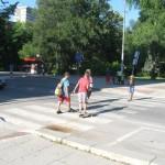 Мъж потроши баба на пешеходна пътека