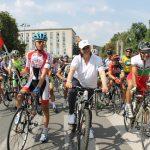 Нинова поведе колоездачно състезание към връх Шипка (снимки)