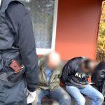 Разбираха банда измамници, представящи се за полицаи
