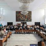 Управляващите в Габрово решиха: 500 лв. данък на такси!