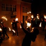 Уникално огнено шоу, сгледно хоро и домашни вкусотии на Селския мол
