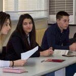Ученици отмениха експерти в Областната администрация