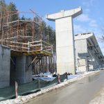 Обходът на Габрово към тунела под Шипка напредва (снимки)