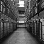 Затвор за трима, изнудвали мъж и потрошили къщата му в Райновци
