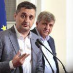 Кирил Добрев пита кой ще понесе политическа отговорност за поръчките в АПИ
