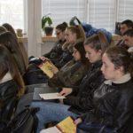 """Областният и заместникът му разговаряха с ученици за """"Правовата държава"""""""