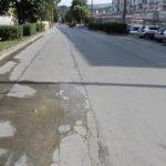 """Вода """"извира"""" от асфалта на булевард """"Столетов"""" (снимки)"""