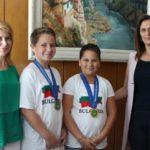 Лена Георгиева и Таня Христова посрещнаха победителите от Сингапур