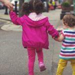 Приемат заявления от родители за осигуряване на детегледачи