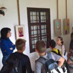 Покровителката на Габрово провокира петокласници да творят