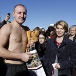 Георги Ангелов извади кръста на Богоявление в Габрово (снимки)