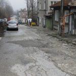 Родна картинка: Габровци сами ремонтират улица!