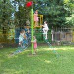 """Децата от ДГ """"Ран Босилек"""" учат и играят на открито в обновен двор"""
