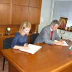 Таня Христова подписа договор за доставка на три нови автобуса