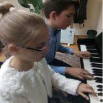 """Две деца от МК """"Весела"""" с концертно участие в Кипър"""